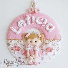E assim ficou a guirlanda da pequena Leticia! ❤ #mamãearteira #artesanato #princesa #guirlanda #enfeitematernidade #portamaternidade #tecidos #menina #coroa #princess #feltro #felt #feltrosantafe #eusóusofeltrossantafe #maedemenina #maternidade