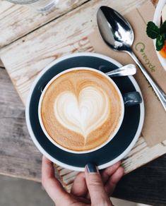 9 Self-Reliant Cool Ideas: Coffee Painting Mason Jars coffee meme need.Coffee Cafe Photography but first coffee poster. Coffee Latte Art, Coffee Barista, Coffee Type, Coffee Creamer, Coffee Humor, My Coffee, Coffee Drinks, Coffee Signs, Starbucks Coffee