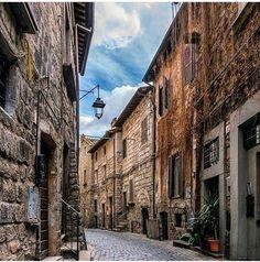 Viterbo (comuna italiana), região do Lácio, capital da província de Viterbo, Itália.
