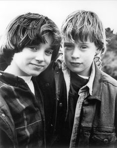 Elijah Wood & Macaulay Culkin - The Good Son, talented from such a young age Elijah Wood, Larry Wilcox, Monsieur Cinema, I Movie, Movie Stars, Movie Cast, Hobbit, The Good Son, Most Beautiful Child