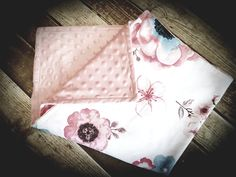 Chawernèy's Baby Boutique started in 2017 where a sideline hobby soon grew into a full-time business! The need for affordable high quality custom-made baby linen in South-Africa are huge and. Boutique Homes, Baby Boutique, Baby Accessories, Create Your Own, Fabric, Handmade, Tejido, Hand Made, Cloths