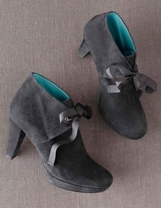 Shop Women's Boden Gray size 7 Ankle Boots & Booties at a discounted price at Poshmark. Description: Gray suede lace up ankle Boots High heels size 37 Very good condition. Me Too Shoes, Tap Shoes, Dance Shoes, Knee High Boots, Ankle Boots, Lace Up Booties, Designer Boots, Pretty Shoes, Chunky Heels