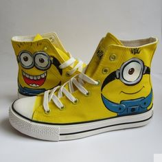 Hand Painted Canvas Shoes Casual High top Shoes Fashion Sneakers Minions Converse Custom Converse S Sneakers Mode, Sneakers Fashion, Fashion Shoes, Runway Fashion, Fashion Trends, Painted Canvas Shoes, Hand Painted Shoes, Custom Converse Shoes, Custom Shoes