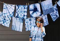 Avec des pinces, des élastiques et et de la corde elle crée des motifs pour teindre des tissus! - Bricolages - Trucs et Bricolages