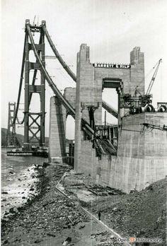 San Francisco under construction for the past 100 years Bridge Construction, Under Construction, Construction Business, Construction Birthday, Construction Design, San Francisco City, San Francisco California, Puente Golden Gate, San Francisco Earthquake