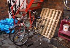 DIY Bike Rack from Pallets