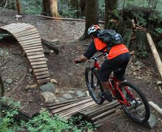 What a way to start my biking life here in Vancouver by jumping in at the deep end. Any Mountain Biker will know how famous the North Shore is. Its where all the cool videos come from, where all th...