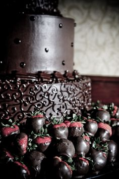Chocolate Grooms Cake with Strawberries | Groom's cake!