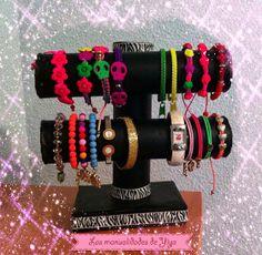 Las Manualidades de Yiya: Organizador de pulseras y relojes.