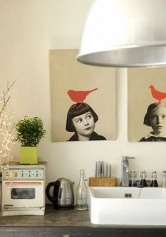 Cool idea for family portraits that actually look like art and not weird pictures of yourself ;)