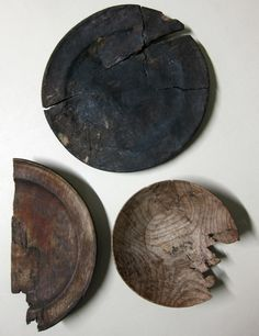 Thirteenth century wood plates recovered from a silted-up well in Spitalfields, London. They are believed to have belonged to the inmates of the long-gone Hospital of St Mary Spital, which gave its name to Spitalfields; they still display ridges from the lathe, Almost no trace remains above ground of the ancient Hospital of St Mary yet, in Spital Square, the roads still follow the ground plan laid laid out in 1197, with the current entrance from Bishopsgate coinciding to the gate of the…