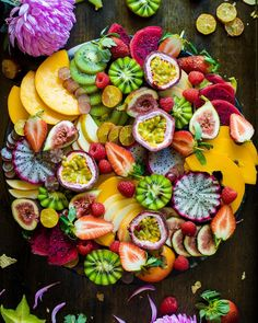 Nature is beautiful Enjoy a platter on the weekend with an abundance of gorgeous fruits that are available in the middle of winter. @featherandcrumb