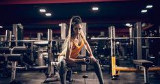 Challenge Üst Vücut Gün 5.           -            Deryanın Spor Günlüğü - Sağlıklı Yaşam Blogu Gym Interior, Weight Lifting, Challenges, Design Inspiration, Paper Sculptures, Weights, Woman, Fitness, Art