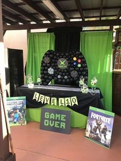 Take a look at this awesome balloon backdrop at this Xbox Birthday Party! See mo - Xbox Games - Trending Xbox Games for sales . Xbox Party, Game Truck Party, 13th Birthday Parties, Birthday Games, 10th Birthday, Balloon Birthday, Birthday Ideas, Birthday Backdrop, Birthday Party Decorations