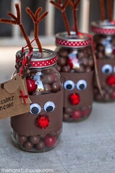Rudolph the Red Nose Reindeer Jars....these are the BEST Christmas Mason Jar Ideas!