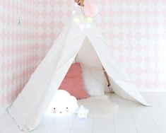 "Kinderzimmer: Nachtlicht ""Star light white"" und ""Cloud"" von A Little Lovely Company Hanging Chair, Toddler Bed, Kids Room, Lovely Company, Furniture, Star, Home Decor, Infant Girl Rooms, Kids Room Design"