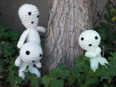 Glow in the Dark Kodama free crochet pattern by blogger Ami Amour