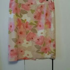 J Crew Floral Print Pencil Skirt J Crew Floral Print Pencil Skirt with a 2' waistband & split center in the back.   Fully lined cotton lining, wash & wear. J. Crew Skirts Pencil