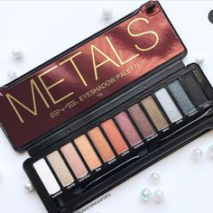 All Things Beauty, Beauty Make Up, Makeup Palette, Eyeshadow Palette, Bys Maquillage, Fall Makeup, Best Makeup Products, Beauty Products, Eyebrow Makeup