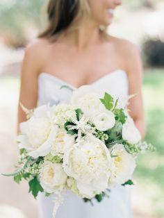Photography: Ashley Kelemen - ashleykelemen.com/ Read More: http://www.stylemepretty.com/2014/10/23/rustic-tuscan-style-estate-wedding/