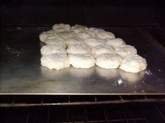 How To Make Buttermilk Biscuits - Southern Plate Best Buttermilk Biscuits, How To Make Buttermilk, How To Make Biscuits, Cream Biscuits, Paula Deen Fried Chicken, Bacon Gravy, Southern Biscuits, Self Rising Flour, Biscuit Recipe