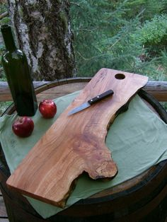 oak tree cutting board - @Sean Glass Spooner this makes me think of you!