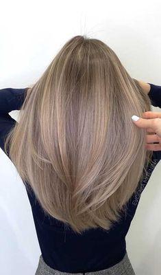 Hair Color Balayage, Hair Highlights, Balayage Beige, Dark Blonde Hair With Highlights, Dark Blonde Hair Color, Ash Blonde Balayage, Warm Blonde, Brown Blonde Hair, Color Highlights