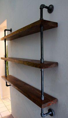 Construire avec paleten mur vivant de t l vision tag res salon mur couleur o - Etagere murale rustique ...
