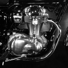 Kawasaki w800 motor by Stephane