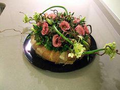 Verschillende soorten bloemstukken maken met afbeeldingen van de bloemstukken en korte uitleg