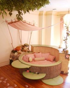 Seriously...one of the most amazing beds for a little girl! #bed #decor #house