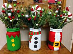 My Christmas mason jar collection! ♥️You can find Christmas mason jars and more on our website.My Christmas mason jar collection! Mason Jar Christmas Crafts, Mason Jar Crafts, Mason Jar Diy, Homemade Christmas, Diy Christmas Gifts, Christmas Projects, Simple Christmas, Holiday Crafts, Christmas Ornaments