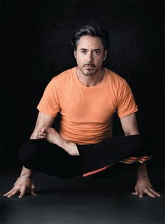 Hey Look! Robert Downey is a Yogi! RDJ: Yoga is wonderful, and it's not just for girls! Ladies, let's tell all the guys around us how awesome is yoga in taking care of ourselves, in both body and mind. Tai Chi, Life Fitness, Yoga Fitness, Fitness Routines, Fitness Motivation, Fitness Quotes, Partner Yoga, Pilates Reformer, Yoga Inspiration