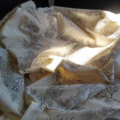 Printlab Gabi Bano    #printandpattern  #silkscreenprint  #printonfabric  #handprintedtextiles  #repeatedpattern Silk Screen Printing, Printing On Fabric, Repeating Patterns, Artwork, Screen Printing, Work Of Art, Fabric Printing