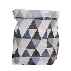 Hokuspokus kurv L, pastell – OYOY – Kjøp møbler online på Scandinavian Nursery Decor, Scandinavian Design, Large Storage Baskets, Bag Storage, Textiles, Modern Kids, Large Bags, Home Textile, Triangles