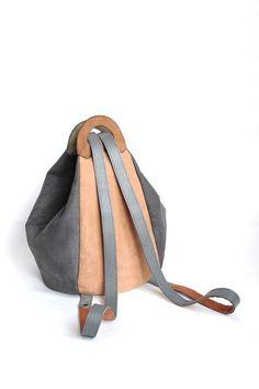 Привет! Что-то я часто стала появляться:) Сама удивляюсь. Но, как не показать сумочку-трансформер по мотивам моего любимого рюкзака с м...