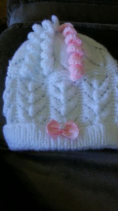 This Pin Was Discovered By Col - Marecipe Baby Booties Free Pattern, Baby Boy Knitting Patterns, Crochet Socks Pattern, Baby Girl Patterns, Baby Hats Knitting, Knitted Hats, Crochet Patterns, Crochet Hats, Diy Crafts Knitting