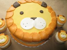 Lion Birthday Cake by doebakery, via Flickr Leo's 1st Birthday Cake????