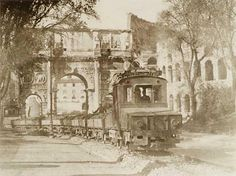 Il treno per il trasporto dei detriti provenienti dai lavori per la costruzione di via dei Trionfi (aprile 1932).