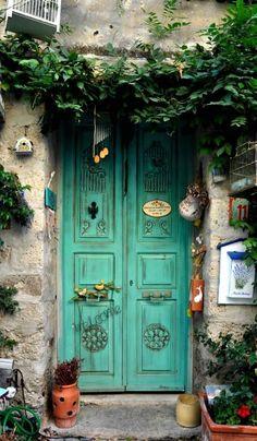 Alaçatı, İzmir, Turkey ♥ ☮ ♥ For stunning, chic jewelry…