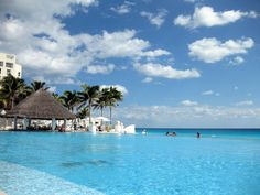 Cancun, Mexico....infinity pool and bar!