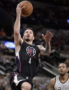 AP                  Published 10:59 p.m. ET April 8, 2017 | Updated 39 minutes ago        Los Angeles Clippers guard J.J. Redick (4) shoots during the first half of an NBA basketball game against the San Antonio Spurs, Saturday, April 8, 2017, in San Antonio. (AP Photo/Darren...  http://usa.swengen.com/chris-paul-scores-19-points-clippers-beat-spurs-98-87/
