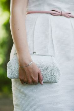 Brauttasche: edle Clutch in Weiß für die Braut, bestehend aus Satin und Spitze/ elegant, white clutch for the bride with lace details made by SpitzeNattallia via DaWanda.com