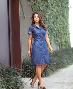 Jean Dress Outfits, Shirtdress Outfit, Denim Shirt Dress, Short African Dresses, Latest African Fashion Dresses, Short Dresses, Fashion Mode, Denim Fashion, Fashion Outfits
