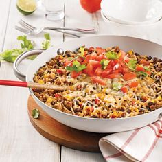 One pot with ground beef and Mexican rice - 5 ingredients 15 minutes One Pot Dishes, One Pot Meals, Easy Meals, Mexican Food Recipes, Beef Recipes, Cooking Recipes, Ethnic Recipes, One Pan Pasta, Confort Food
