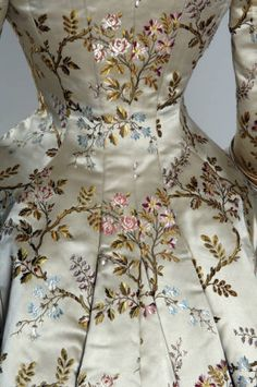 Victorian silk brocade and silk satin dinner dress with lace detail by House of Pingat [French], c. 1878 {detail of silk brocade}