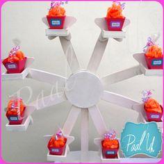 Paal Uh. Mesas de Postres & Snack's. Postres para Bautizo / Mousse de mango y de chocolate / Mazapanes / cup cakes / personalizado / fucsia, lila y blanco / bombones / botanas / estrellas / cajas personalizadas /