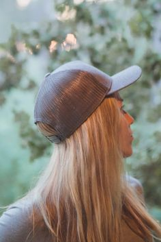 bb1c6c68430491 Trucker cap look for the summer. Burgundy, black and light grey trucker caps  by