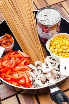 Cremig-scharfe Thai-Curry One Pot Pasta {vegan}   Nur 6 einfache Zutaten und 20 Minuten Zubereitungszeit   Kaffee & Cupcakes