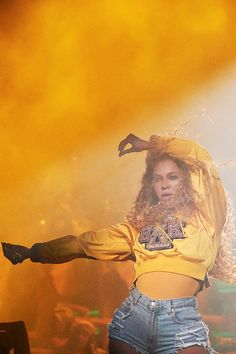 Check out Beyonce @ Iomoio Beyonce Fans, Beyonce Style, Beyonce And Jay Z, Beyonce Coachella, Yellow Aesthetic Pastel, Mrs Carter, Beyonce Knowles, Queen B, Black Girl Magic